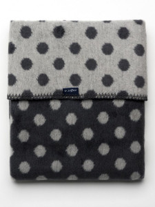 Dětská bavlněná deka  Womar Puntíky 75x100 grafitovo-šedá